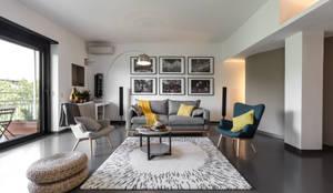 Casa MC - Relooking: Soggiorno in stile in stile Moderno di Architrek