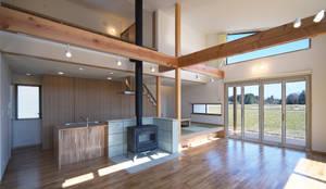 ペットと暮らすバリアフリーの家: かんばら設計室が手掛けたリビングです。