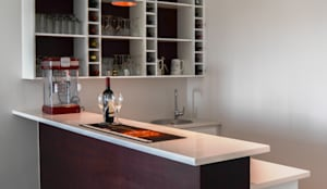 Cantina in stile in stile Moderno di Ergo Designer Kitchens and Cabinetry