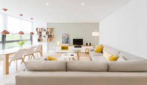 Phòng khách theo Beivide Studio,
