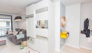 minimalistische Ankleidezimmer von Pia Estudi