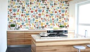 Treats: modern Kitchen by Pixers
