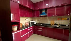 Projekty,  Kuchnia zaprojektowane przez Kriyartive Interior Design