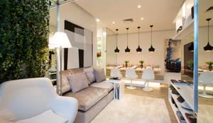 Soggiorno in stile in stile Moderno di Chris Silveira & Arquitetos Associados