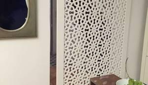 porte claustra coulissante avec rail apparent par allure et bois homify. Black Bedroom Furniture Sets. Home Design Ideas