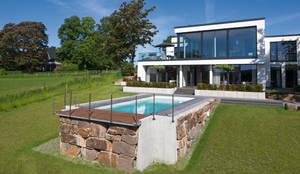 Edelstahlpool mit skimmertechnik gegenstromanlage und for Gartenpool hanglage