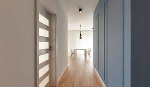 Pasillos, vestíbulos y escaleras de estilo clásico de Perfect Space