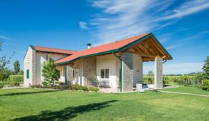 住宅 by Woodbau Srl