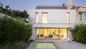 Moradia Unifamiliar na Parede. Parede 11.: Habitações  por Humberto Conde R. Arquitectura Lda