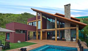 Casas de estilo rural por David Guerra Arquitetura e Interiores