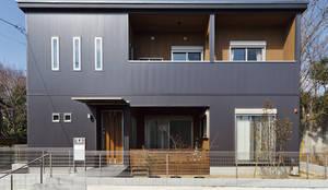 ウォールナットの家: 株式会社スタジオ・チッタ Studio Cittaが手掛けた家です。