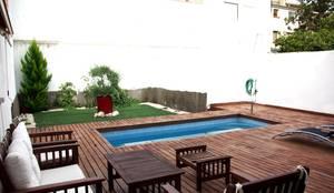 JARDIN CON PISCINA: Piscinas de estilo  de PyD Oliván, S.L., Mediterráneo