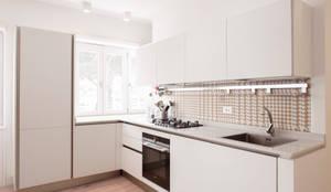 مطبخ تنفيذ Archenjoy - Studio di Architettura -