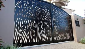 NATUREL METAL FERFORJE – FERFORJE LAZER KESİM UYGULAMALARIMIZ:  tarz Garaj kapıları