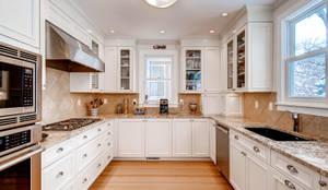 Cozinhas clássicas por Studio Design LLC
