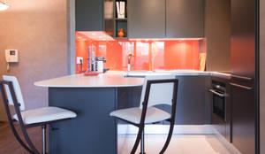 Cuisine Orange Laqué Modèle Sigma, Ouverte Sur Salon, Style Chic Et Moderne