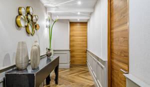 HCH: Pasillo, hall y escaleras de estilo  por NIVEL TRES ARQUITECTURA