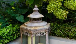 Garden Lighting:  Garden by GreenlinesDesign Ltd