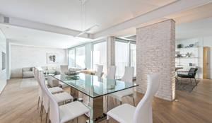 Salle à manger de style de style Moderne par BRANDO concept