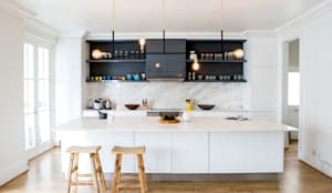 House Oranjezicht:  Kitchen by ATTIK Design