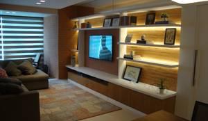 رہنے کا کمرہ  by Geraldo Brognoli Ludwich Arquitetura