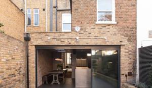 Projekty, nowoczesne Domy zaprojektowane przez Blankstone