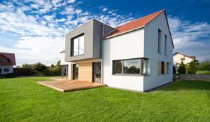 Familienhaus #1: moderne Häuser von HunoldHaus