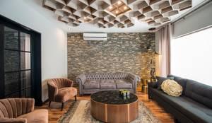 Salas / recibidores de estilo  por ESTUDIO TANGUMA