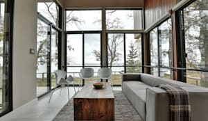 Winnipeg beach weekend home:  Conservatory by Unit 7 Architecture,