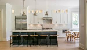 Wanita Rd Project: classic Kitchen by Tango Design Studio