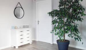 moderner Flur, Diele & Treppenhaus von SAMANTHA DECORATION