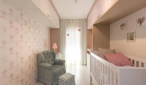 AFN | Dormitório de Bebê : Quarto infantil  por Kali Arquitetura