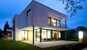 bungalow individualplanung profesjonalista heinz von heiden gmbh massivh user homify. Black Bedroom Furniture Sets. Home Design Ideas