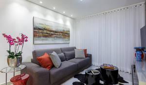 Projekty,  Salon zaprojektowane przez Aleggra Design & Arquitetura - Janaina Naves