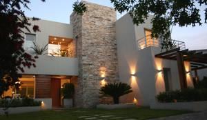 Habitações  por Rocha & Figueroa Bunge arquitectos