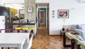 Reforma de apartamento - Ateliê Paralelo: Salas de estar modernas por Joana França