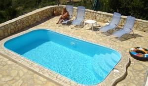 Piscinas de estilo clásico por Aquazzura Piscine