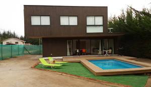 Casas de estilo mediterraneo por Lares Arquitectura