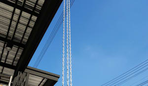 หลังคาโรงจอดรถ และกันสาด หลังคาเมทัลชีท โครงสร้างเหล็กสีดำด้าน:  โรงรถและหลังคากันแดด by P-lona