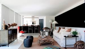 TIEMBLO HOUSE: Salas de estilo  por james&mau