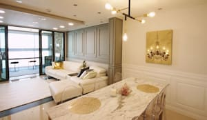 [홈라떼] 화사하고 블링블링한 30평대 홈스타일링: homelatte의  거실