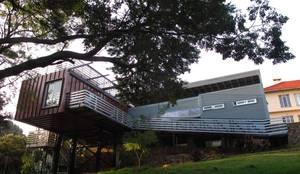 moderne Häuser von A4AC Architects