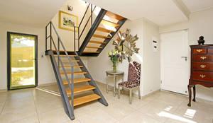 Pasillos y recibidores de estilo  por tillmanecke:architecture