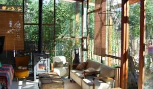 Ruang Keluarga by WABI SABI arquitectura