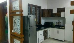 MR. VINOD GARG HOUSE AT FATEHABAD:  Kitchen by Dream Homes Architect