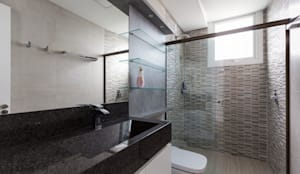 Casa Rio das Contas: Banheiros  por 151 office Arquitetura LTDA