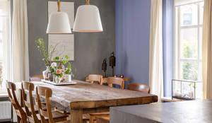 Maatwerk woonkeuken met kookeiland:  Keuken door Langens & Langens BV,