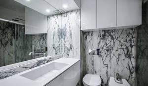 I.S. social: Casas de banho modernas por NOVACOBE - Construção e Reabilitação, Lda.