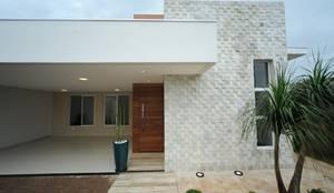 Jorge Machado arquitetura: modern tarz Evler