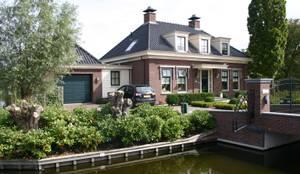 Nieuwbouw vrijstaande woning: klasieke Huizen door De Stijl atelier voor bouwkunst